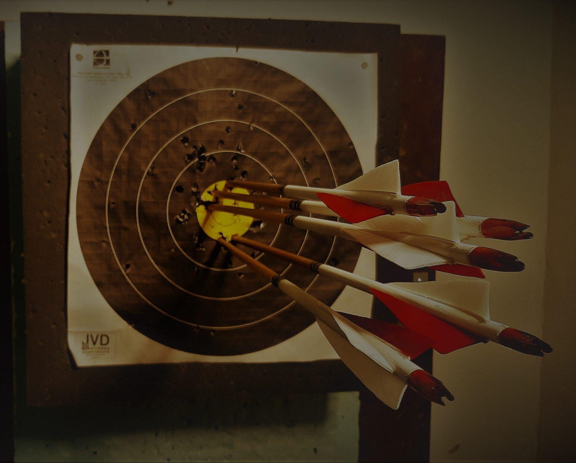 Juro-Archery - Välineet perinteiseen jousiammuntaan - Gear for traditional Archery